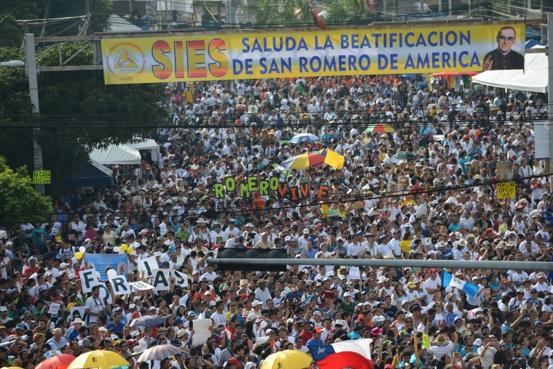 Pilgrims gather for Archbishop Oscar Romero's beatification Mass May 23 in the Divine Savior of the World square in San Salvador. CNS photo by Lissette Lemus.