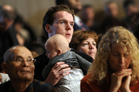 """CNS PHOTO/LESLIE E. KOSSOFF """"Lumen Gentium"""" placed a greater responsibility on all Catholics, calling them to active participation in sharing the Gospel."""
