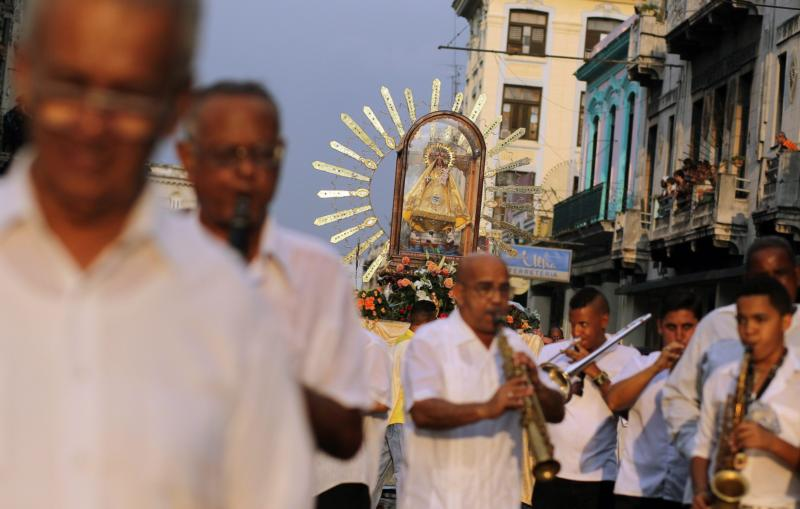 Hundreds of people take part in a Sept. 8, 2013, pilgrimage in Havana honoring Our Lady of Charity of El Cobre, Cuba's patroness. (CNS photo/Alejandro Ernesto, EPA)