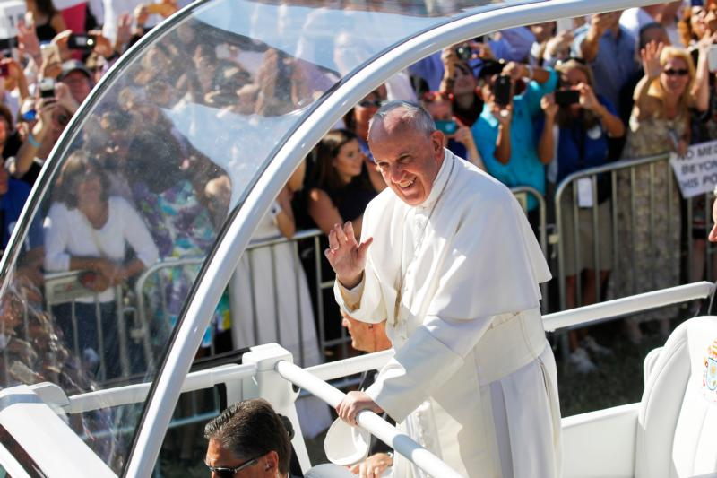 Pope Francis arrives for Mass and the canonization of Junipero Serra at the Basilica of the National Shrine of the Immaculate Conception in Washington Sept. 23. (CNS photo/Bob Roller)