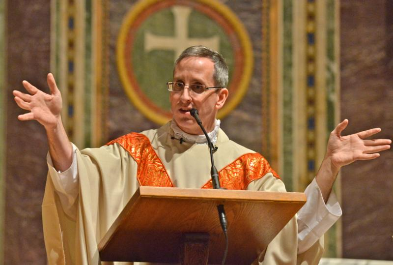 Father Daniel Leary, pastor of St. Andrew Apostle Parish in Silver Spring, Md., gives the homily at the Adult and Family Mass for Life at St. Matthew's Cathedral on Jan. 22. (CNS photo/Michael Hoyt, Catholic Standard)