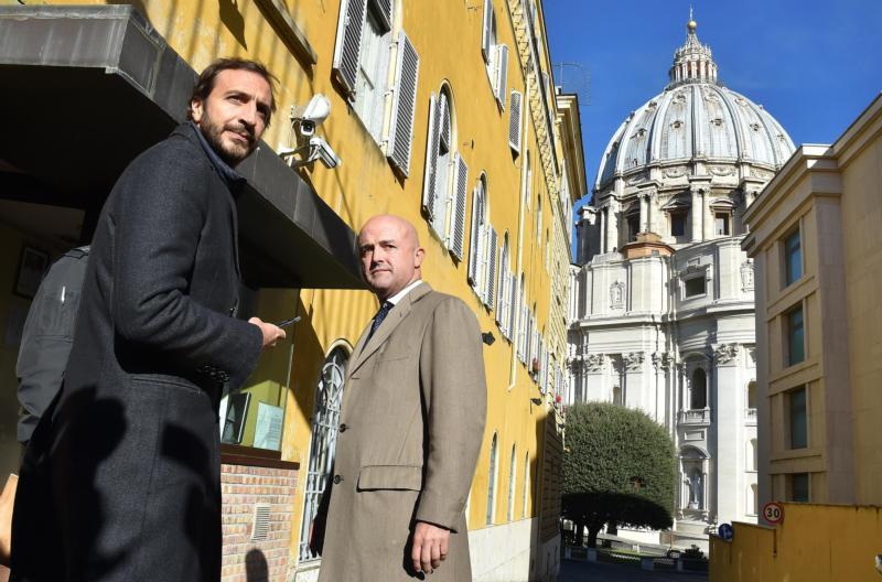 Italian journalists and authors Emiliano Fittipaldi and Gianluigi Nuzzi are seen at the Vatican in this Nov. 24, 2015, file photo. (CNS photo/Ettore Ferrari, EPA)