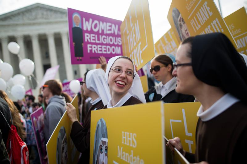 Women religious demonstrate against the Affordable Care Act's contraceptive mandate outside the U.S. Supreme Court  in Washington March 23. (CNS photo/Jim Lo Scalzo, EPA)