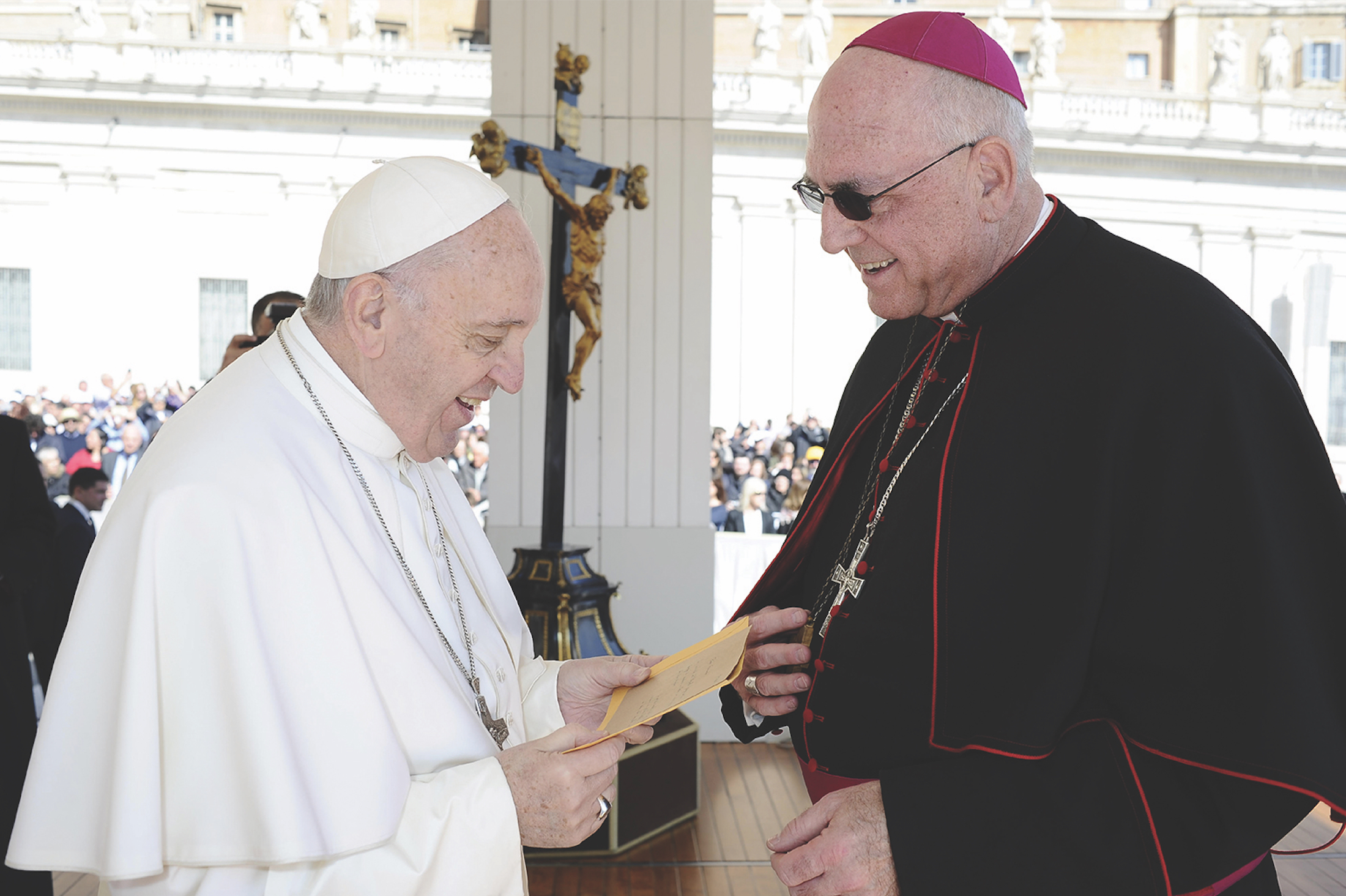 Busy rome visit included chat with pope francis i presented the photo to pope francis when i had the opportunity to greet him at his general audience on wednesday march 15 kristyandbryce Image collections